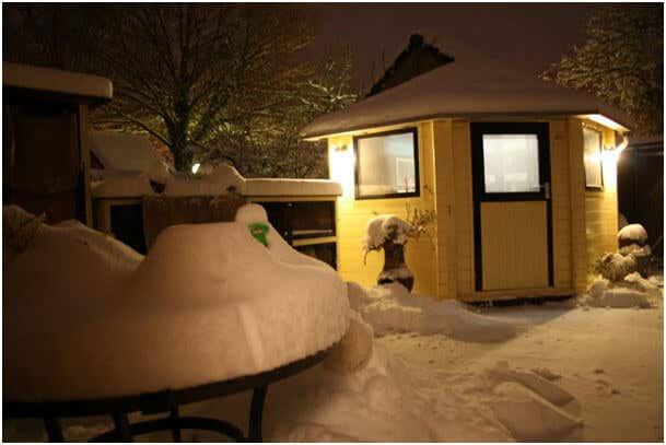 gartenhaus im winter so machen sie es winterfest. Black Bedroom Furniture Sets. Home Design Ideas