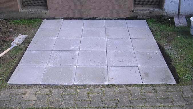 Bodenplatten fertig verlegt
