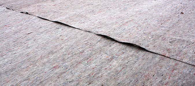 graues Flies für die Dachbegrünung