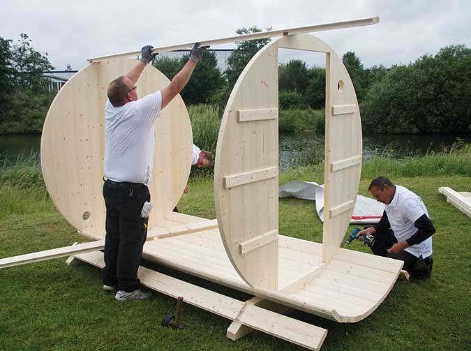 ein sauna fass aufbauen schritt f r schritt. Black Bedroom Furniture Sets. Home Design Ideas