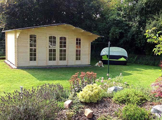 bauhaus gartenhaus kerstin my blog. Black Bedroom Furniture Sets. Home Design Ideas