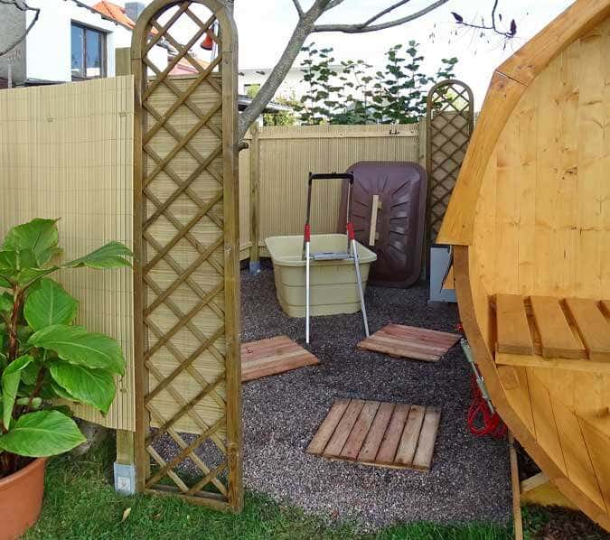 fass sauna aufbauen eine fotostory mit inspirationen. Black Bedroom Furniture Sets. Home Design Ideas