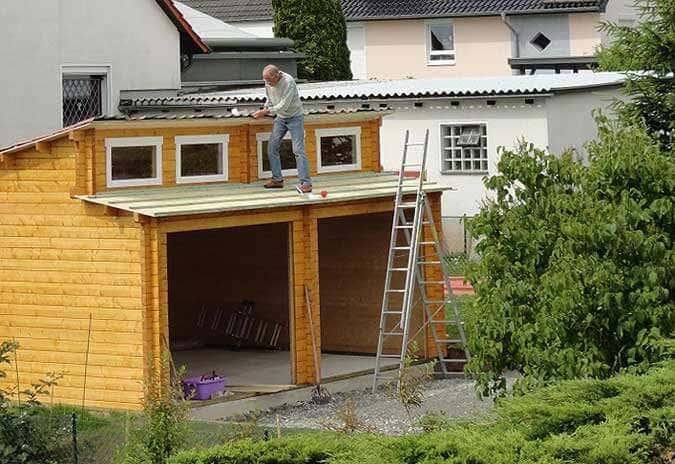 Holzgarage Dachaufbau