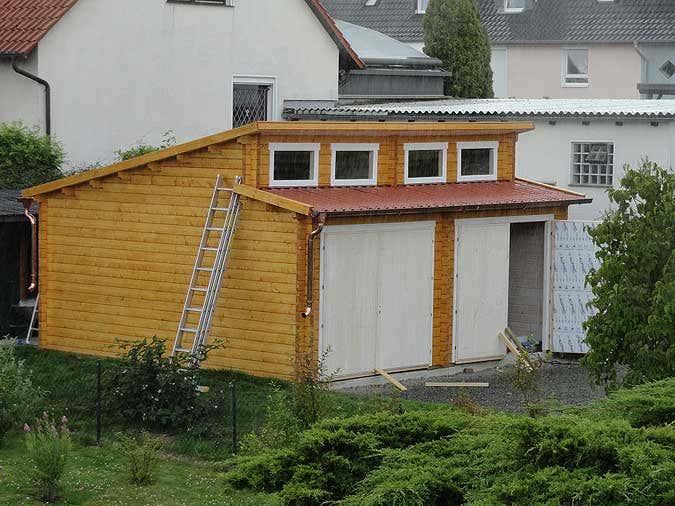 Holzgarage Dauchaufbau