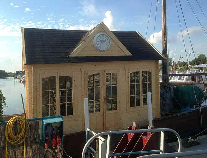 Hausboot-Gartenhaus-Clockhaus