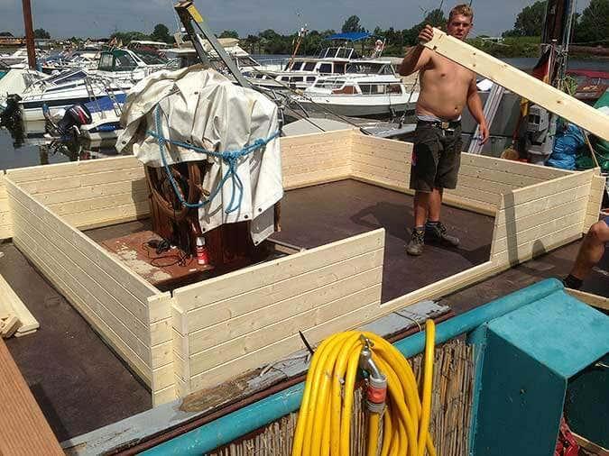 Hausboot-Gartenhausaufbau2