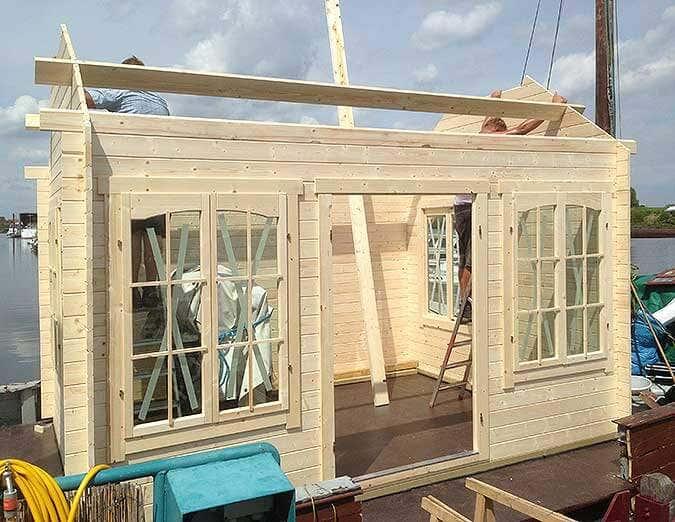 Hausboot-Gartenhausaufbau5