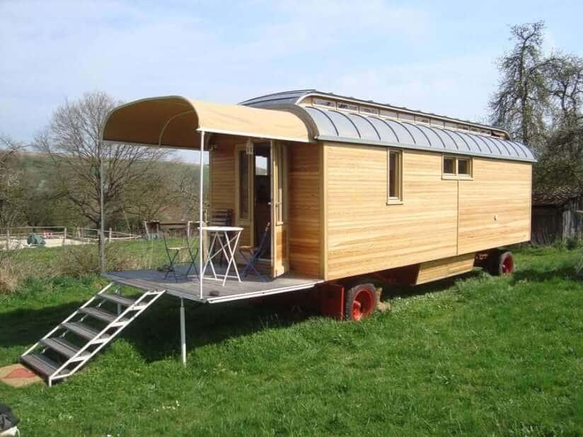 sch fer und zirkuswagen orte zum wohnen und abschalten. Black Bedroom Furniture Sets. Home Design Ideas