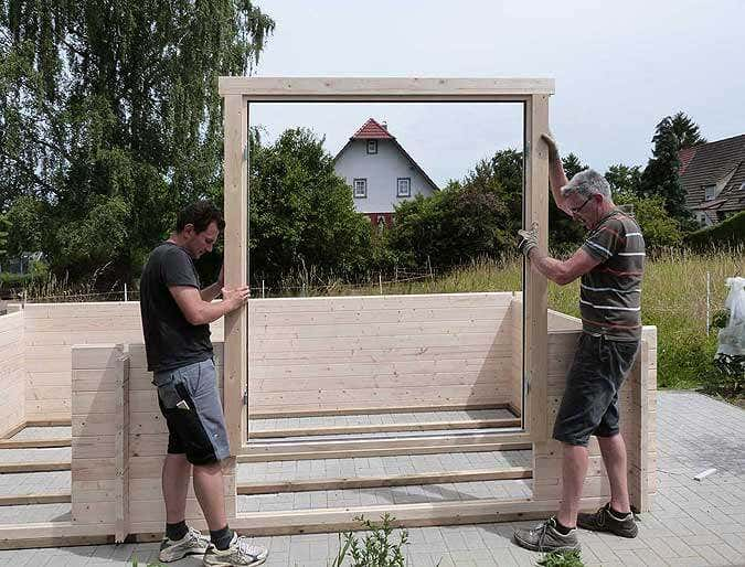 gartenhaus bauen tipps zum aufbau so geht 39 s. Black Bedroom Furniture Sets. Home Design Ideas