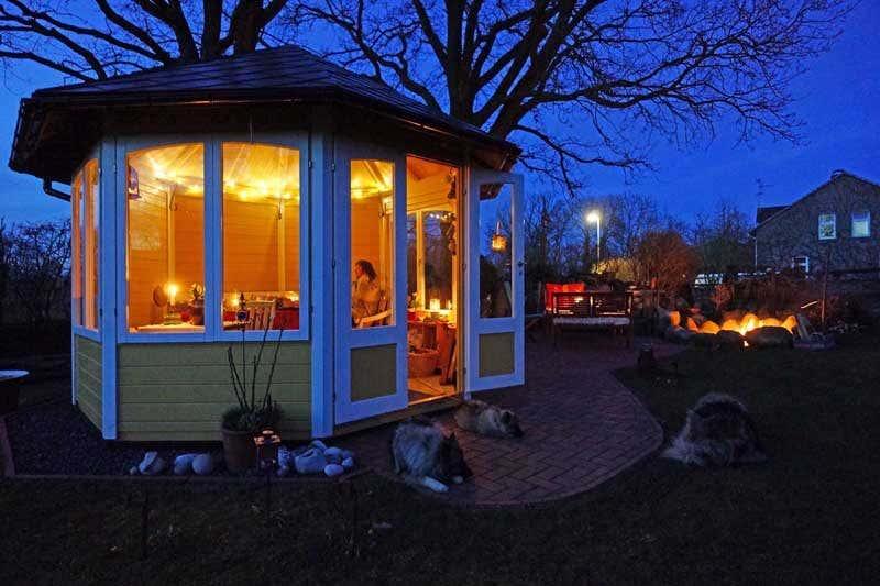 solarlampen im garten tipps rund um die beleuchtung. Black Bedroom Furniture Sets. Home Design Ideas