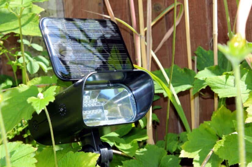 Solarstrahler-mit-Solarmodul