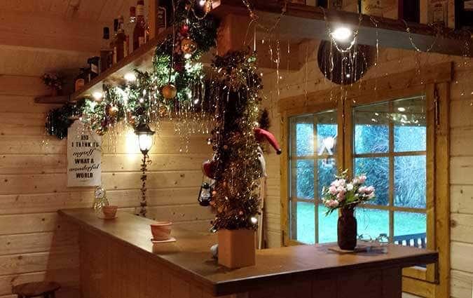 Weihnachtsdeko am Tresen