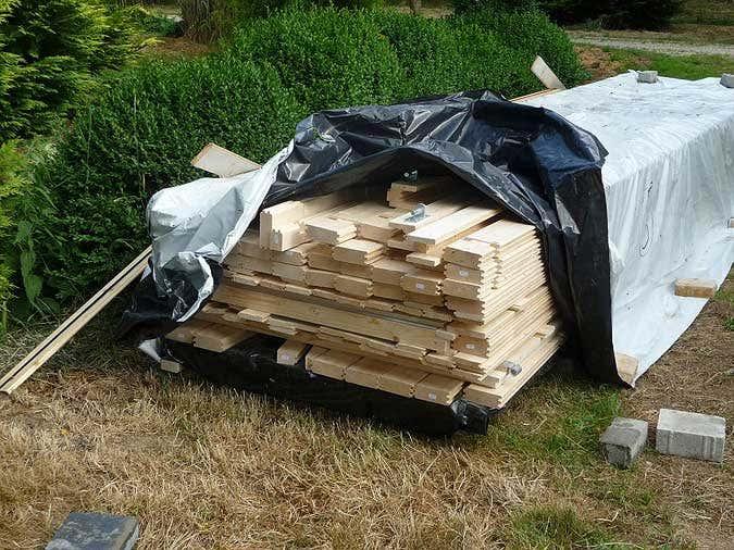 Bausatz Holzgarage entpacken