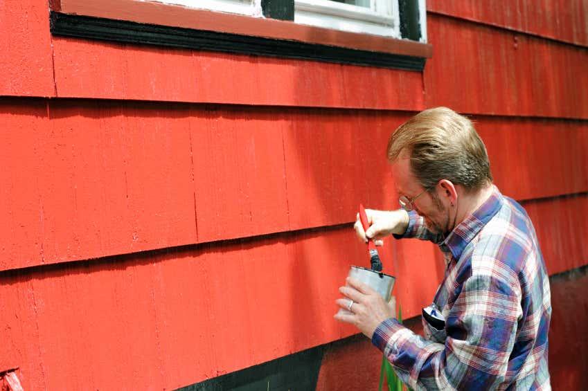 Gartenhaus streichen schwedenrot  Gartenhaus streichen: Schutz & Pflege durch Farbbehandlung