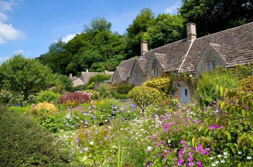 Garten selbst anlegen  Cottage Garten: Gestaltungsideen im englischen Stil