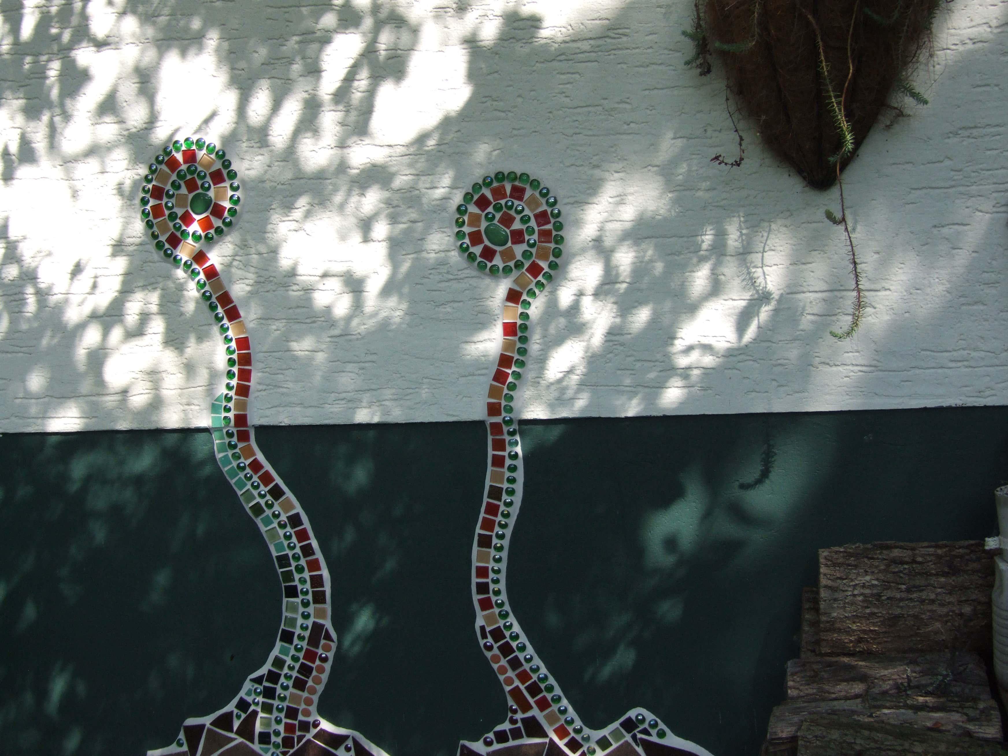 Mosaikkunst an der Hauswand…