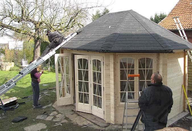 gartenhausaufbau-dach-regenrinne
