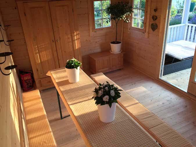 das dach als highlight ein gartenhaus mit dachpfannen. Black Bedroom Furniture Sets. Home Design Ideas