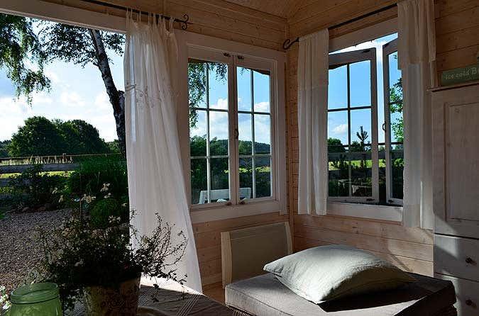 das clockhouse 28 in der praxis ein gartenhaus zum verlieben. Black Bedroom Furniture Sets. Home Design Ideas