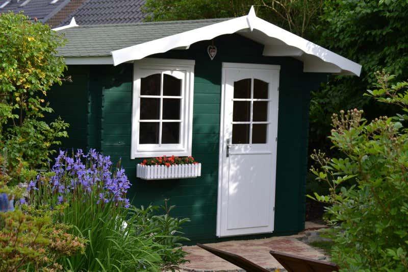 Gartenhaus schwedenhaus streichen Gartenhaus aufbauen: Mit unserer Checkliste clever geplant