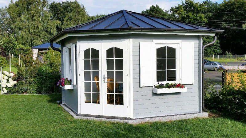gartenhaus grau wei moderner gartentrend mit stil. Black Bedroom Furniture Sets. Home Design Ideas
