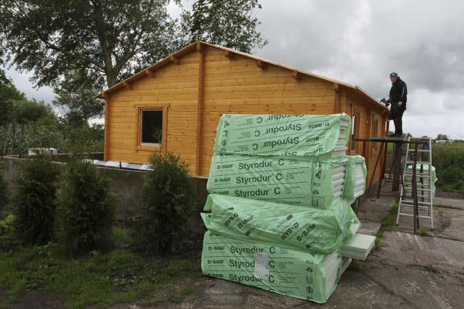 Dämmung des Gartenhausdachs