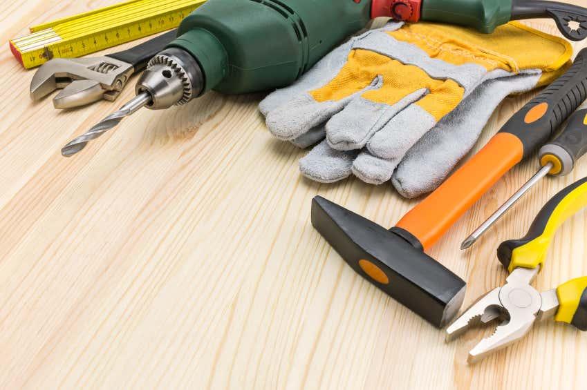Werkzuege für Dachrinennmontage