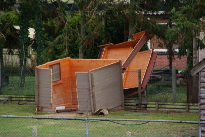 Sturmschaden am Gartenhaus