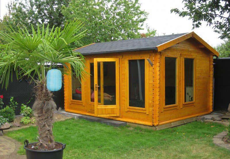 gartenh user in gelb f r ein sommerliches lebensgef hl. Black Bedroom Furniture Sets. Home Design Ideas