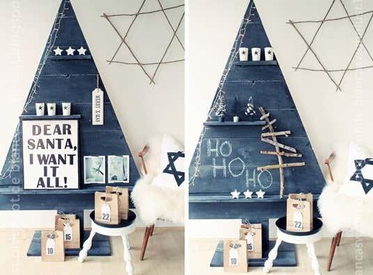 Der Weihnachtsbaum kann stetig verändert werden: entweder dient er als Regal für Dekoration oder er kann mit Tafelkreide weihnachtlich beschriftet werden.