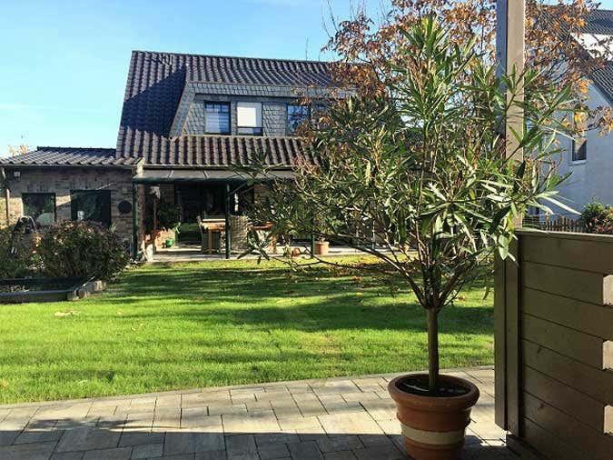 Gartenhaus-Hanna-Blick-von-Terrasse