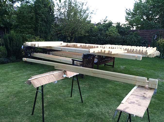 schritt f r schritt das gartenhaus hanna 40 wird aufgebaut. Black Bedroom Furniture Sets. Home Design Ideas
