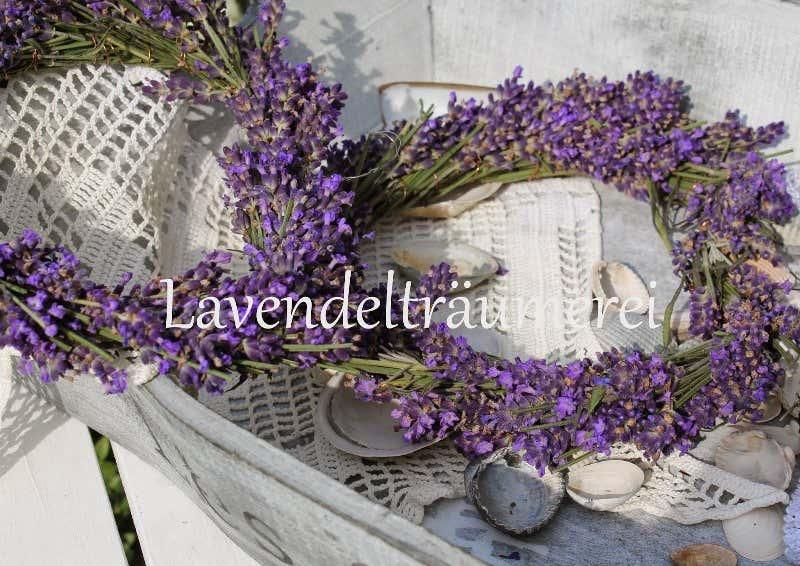 Lavendelkränze aus dem eigenen Garten