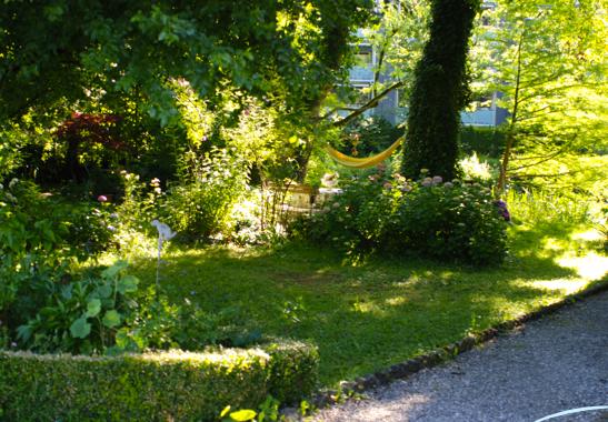 Hängematte im Schattengarten