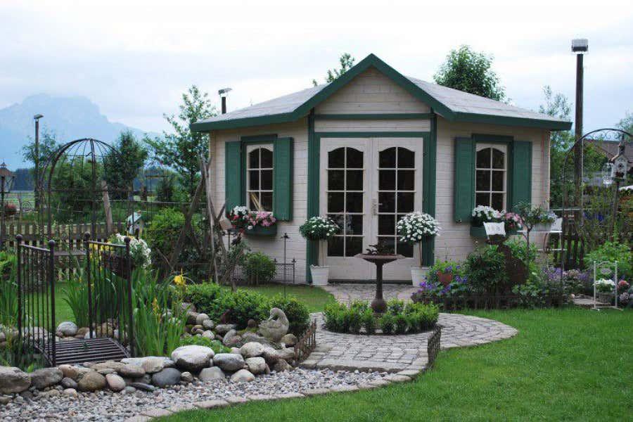 gartenm bel gartenhaus 6 terrassengestaltungsideen. Black Bedroom Furniture Sets. Home Design Ideas