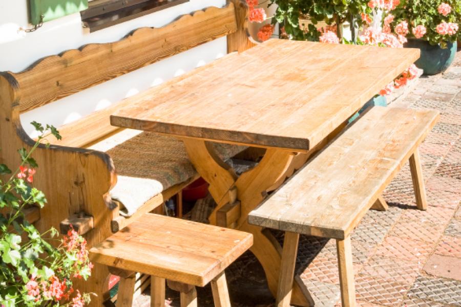 Gartenm bel gartenhaus 6 terrassengestaltungsideen for Gartengestaltung rustikal