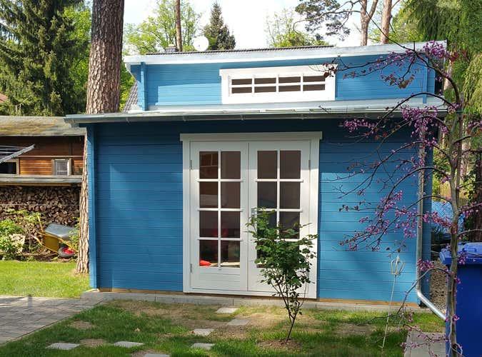 Gartenhaus friesenblau  Das Gartenhaus Lausitz-40 ISO wird aufgebaut (Fotostory)