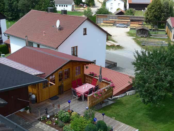 Gartenhaus in Hanglage
