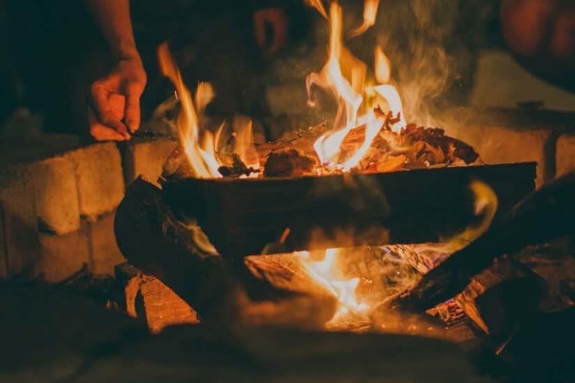 Essen zubereiten am Lagerfeuer
