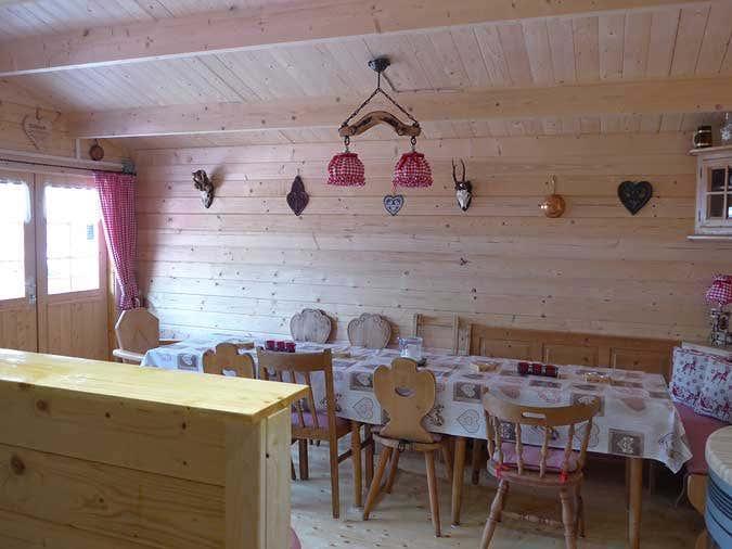Blick von der Hausbar in den Hauptraum