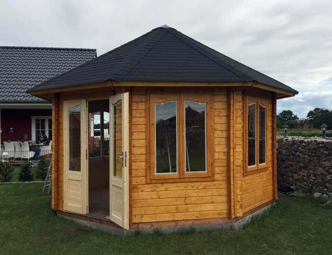 Wohnzimmer und Kamin gartenhaus aus stein streichen : Gartenpavillon Hanna 14,1mu00b2: Aufbau im Natursteingarten