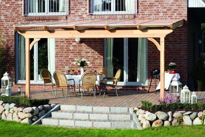 Terrassenüberdachung dekorieren: Pflege und Deko für Douglasie