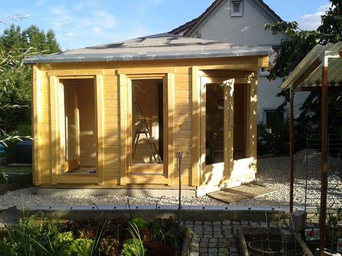 5 eck saunahaus sandor 70 wellness landschaft mit gr ndach. Black Bedroom Furniture Sets. Home Design Ideas