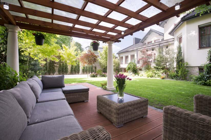 Eine Luxuriöse Terrasse Mit Sofa