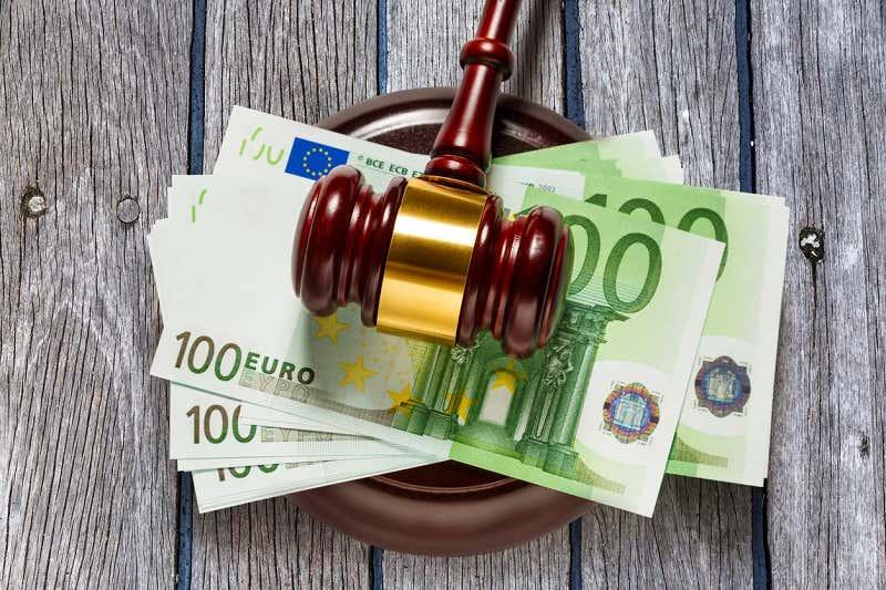 Geldstrafe Richterhammer