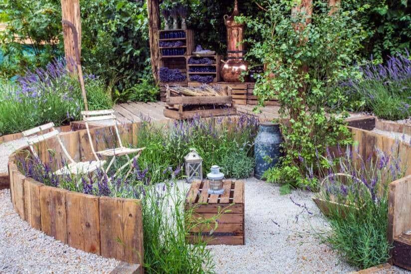 Palettenm bel selber bauen tipps und inspiration - Garten lounge aus paletten ...