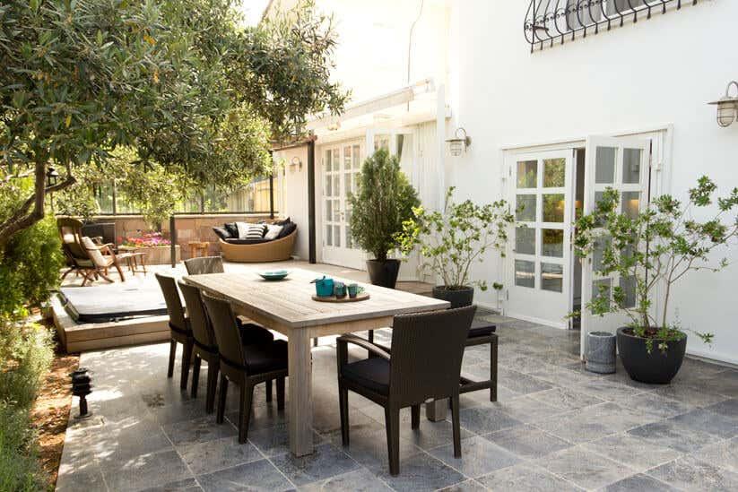 Terrasse im Frühling: So machen Sie sie frühlingsfit!