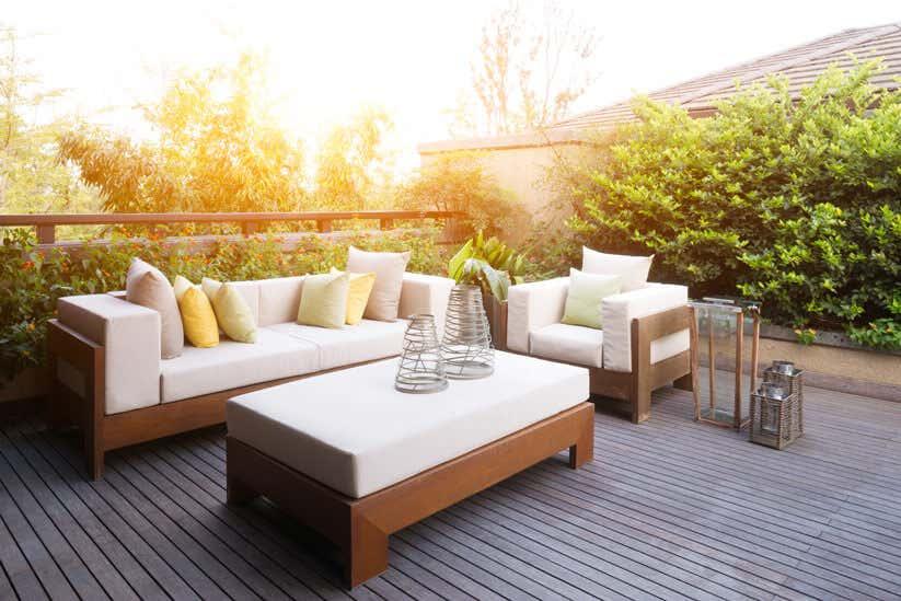 Weiß braune Terrassenmöbel