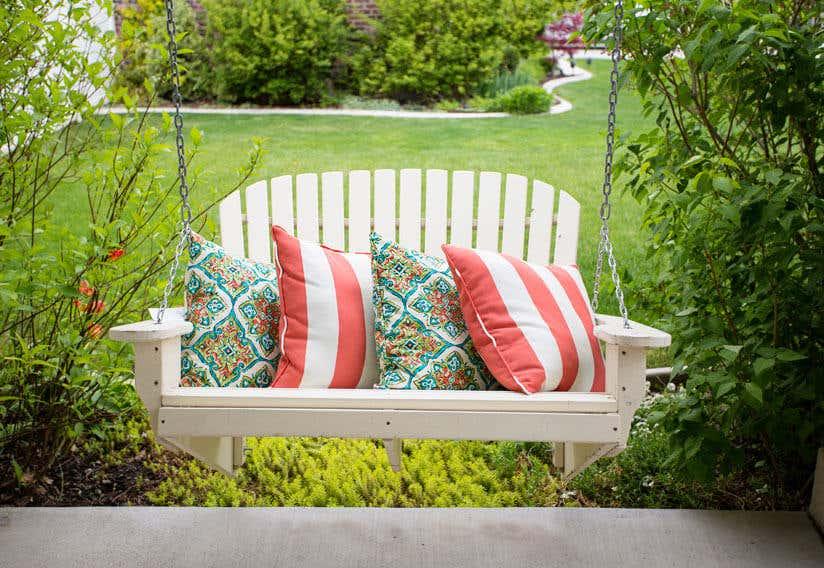 Hollywoodschaukel im garten  So finden Sie die richtige Hollywoodschaukel für Ihren Garten