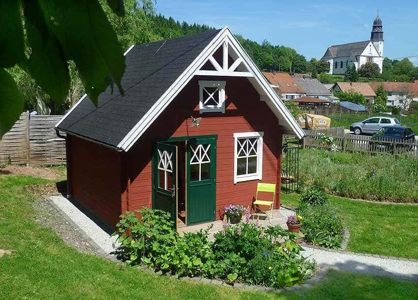 Schwedenhaus gartengestaltung  Ein Schwedenhaus als Gerätehaus und Pflanzen-Winterquartier